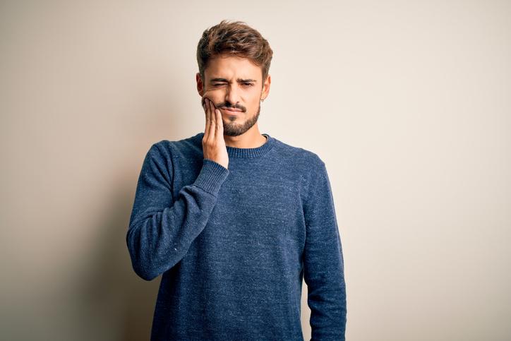 fractura dental a causa del estrés y la ansiedad
