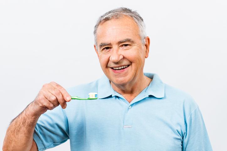 cuidado de las prótesis dentales durante la COVID-19
